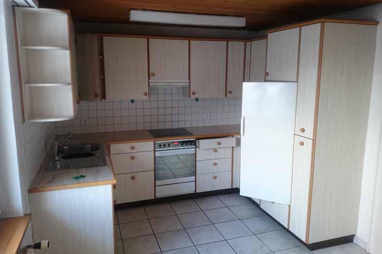 zu vermieten grossz gige wohnung direkt beim zoll pletscherholz pletscher co ag. Black Bedroom Furniture Sets. Home Design Ideas